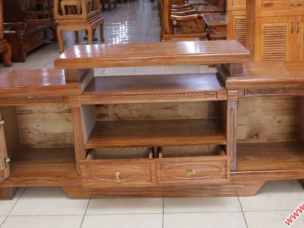 Kệ tivi gỗ hương xám kiểu nhô 1m6 - 1m8 (3)
