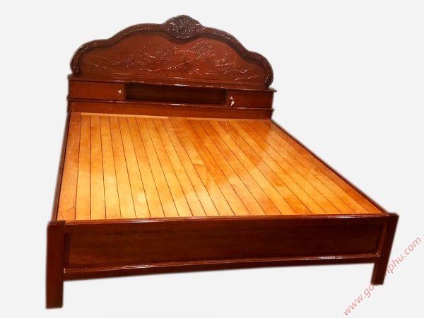 Giường ngủ gỗ căm xe có hộc đầu giường 1m8 GI057 (3)