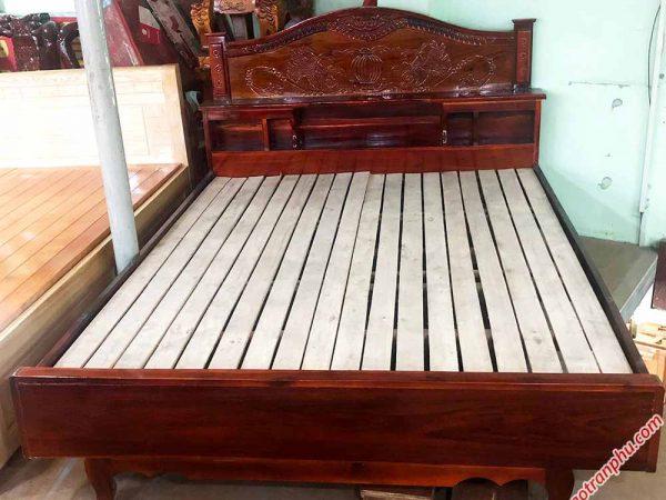 Giường ngủ gỗ xoan đào vạt thường hộc đầu giường 1m6 (4)