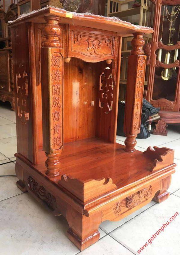 Trang thờ gỗ xoan đào trụ vuông không đèn (3)